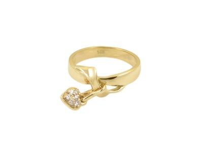 Златен пръстен с висулка сърце