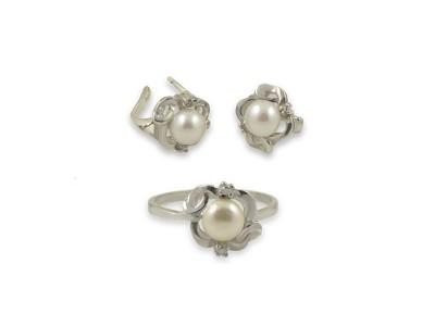 Сребърен комплект с бели перли