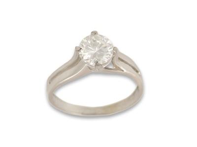 Класически пръстен с централен камък - Тип годежен