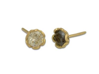 Класически златни обеци с блестящ циркон