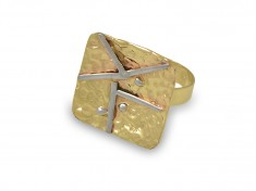 Уникален златен пръстен с орнаменти
