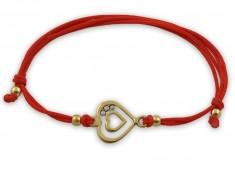 Гривна с червен конец и златни сърца