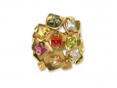 Цветен златен пръстен