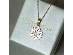 Златен медальон с ажурна шевица